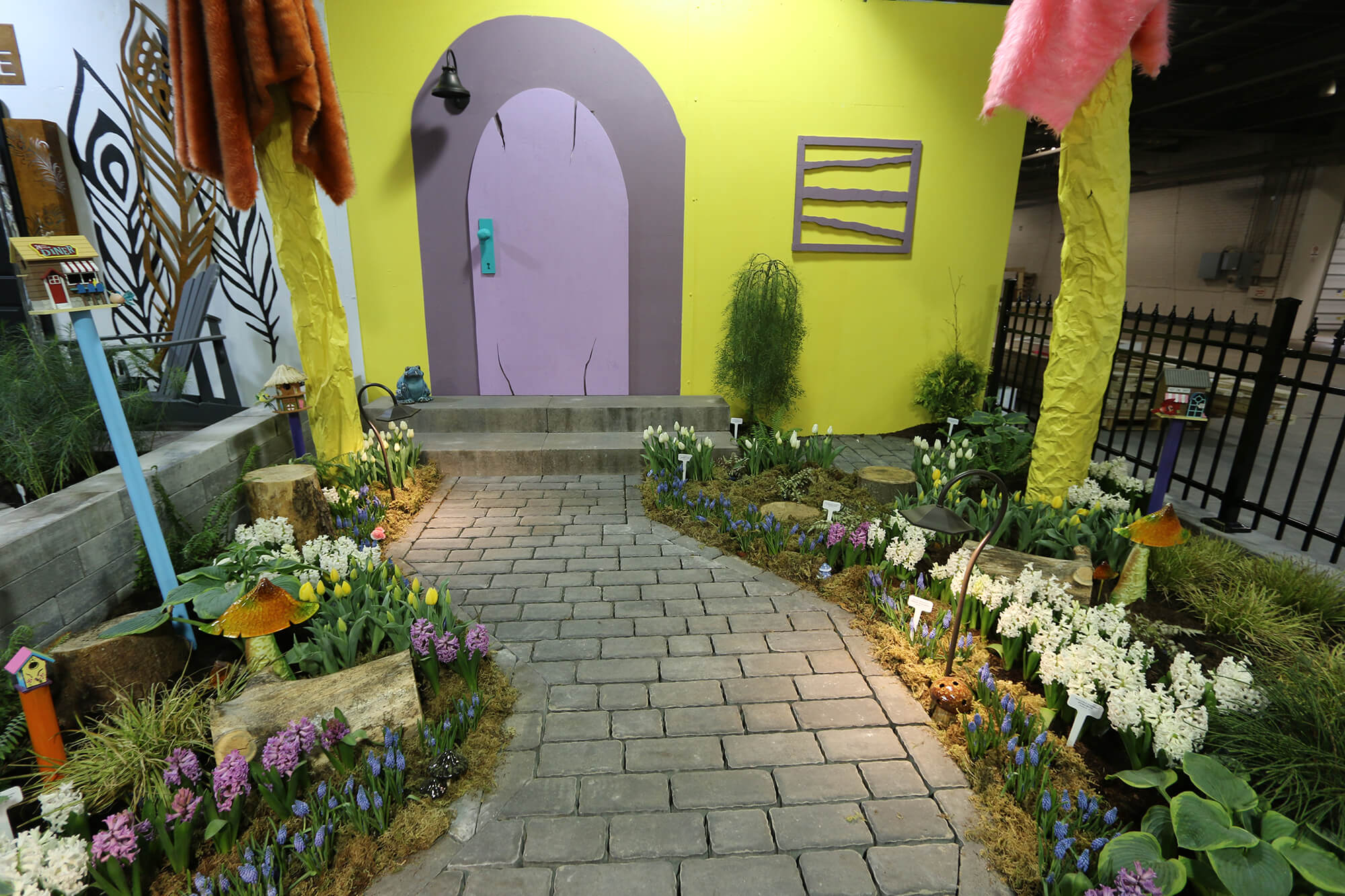 front yard garden at home and garden show